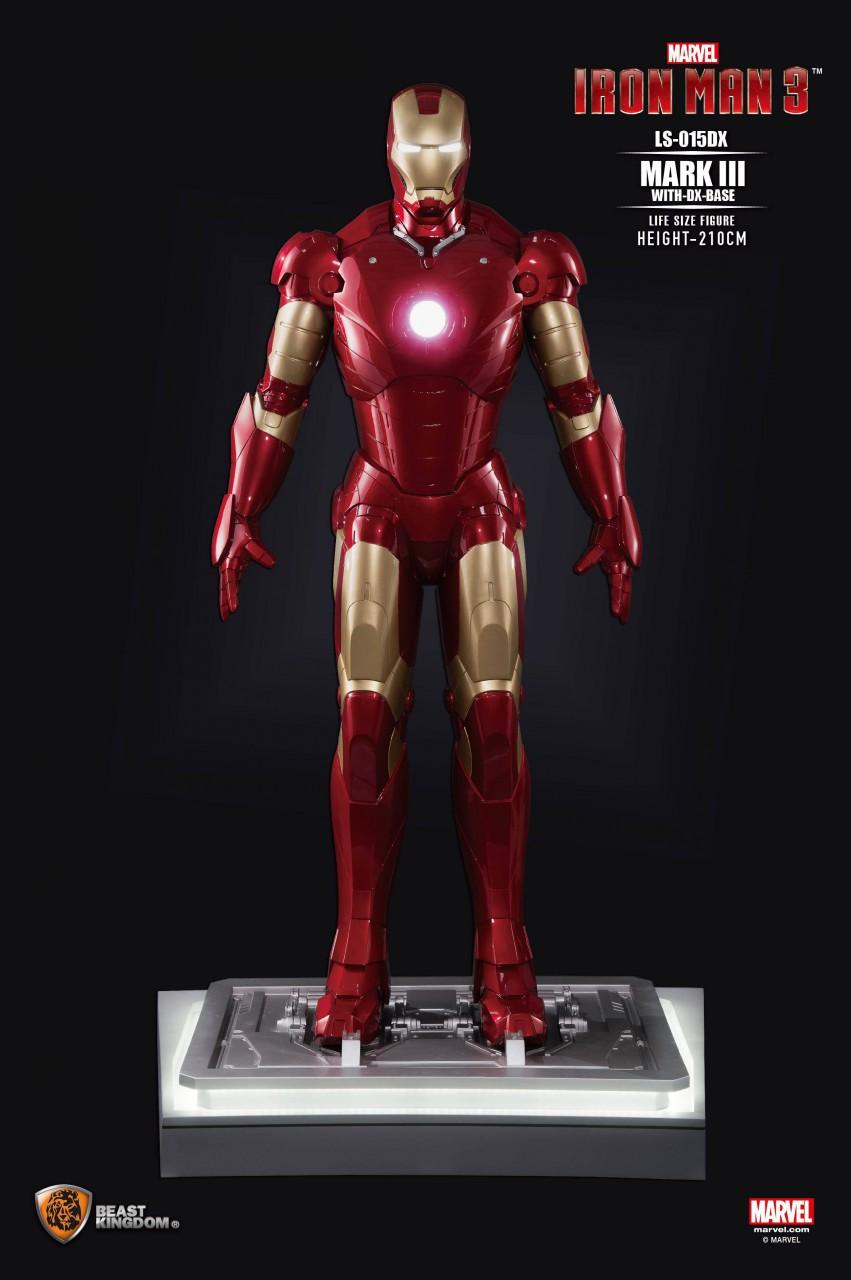 Iron Man 3 Life-Size Statue Iron Man Mark III DX Base 210 cm